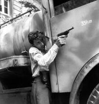 Un membro delle F.F.I. (FORZE FRANCESI DELL'INTERNO) durante i primi combattimenti per la liberazione di Parigi. Credits: Rue des Archives /RDA /Tips Images