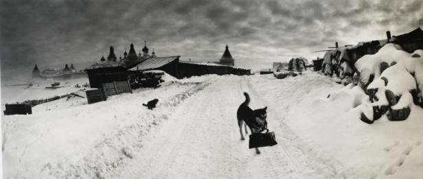 © Pentti Sammallahti Solovki, White Sea, Russia (1992)