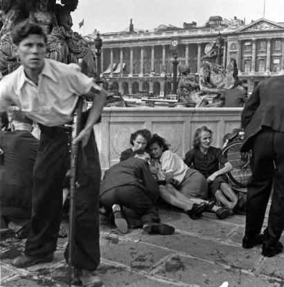 Parigi, spari a Place de la Concorde (25 agosto 1944) Credits: Rue des Archives /RDA /Tips Images