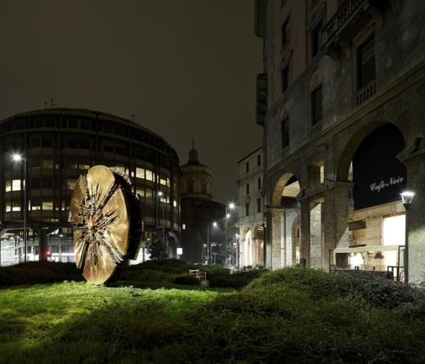 Luca Rotondo - Metropolitan Lullabies, Milano Piazza Filippo Meda